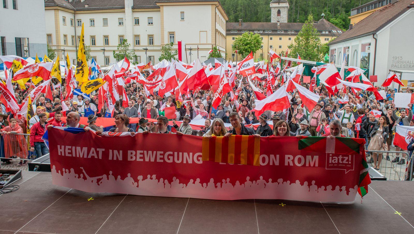 Heimat in Bewegung – Unabhängigkeitstag in Bruneck